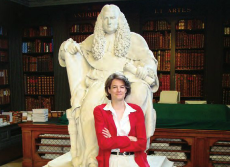 Professor Kadens with Sir William Blackstone at the Codrington Library, All Souls College, Oxford.